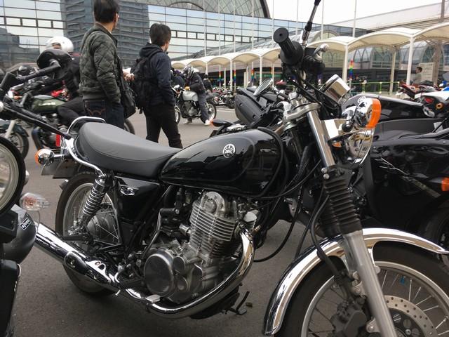 ヤマハSR400のレビュー/口コミ/長所/短所/新車/価格【愛車インプレ】